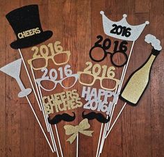 New Years Eve Photo Booth Decorations - Happy New Years - 2019 Neujahr Party Fiesta, Nye Party, Party Time, New Year Diy, Happy New Year, New Years Eve 2017, Decoration Evenementielle, New Years Eve Decorations, New Year Celebration