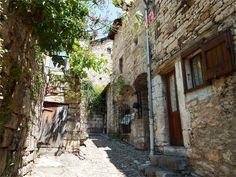 Le village de Saint Eminie, Lozere, dept 48.