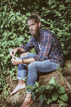 Time for some bohemian manliness! ♡ || 32 Secrets To Spotting The Boho Man This Summer
