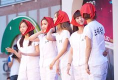 Crayon Pop activity,
