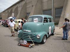 50 Chevrolet COE Suburban  (Cab Over Engine) by DVS1mn, via Flickr