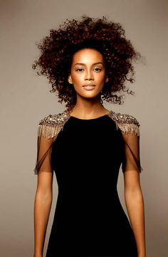 Beleza Feminina: Mulheres Negras - Taís Araújo