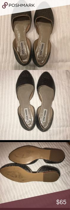 Steve Madden Pewter Vamp-R d'orsay flats sz 8.5 Steve Madden Vamp-R Pewter Crystal d'orsay flats in size 8.5. Two missing crystals on the front as shown in pic. Otherwise excellent used condition. Size 8.5. No tradesbut offers are welcome. Steve Madden Shoes Flats & Loafers