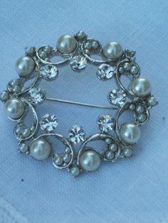 Brooch pearl brooch pearl jewelry