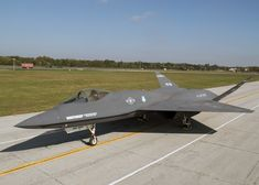 Northrop/McDonnell Douglas was an American single-seat, twin-engine stealth fighter aircraft. Stealth Aircraft, Fighter Aircraft, Military Jets, Military Aircraft, Air Fighter, Fighter Jets, Air Force, Airplane Fighter, F22 Raptor