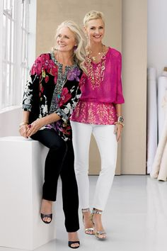 Statement Styles: Oriental Bloom Lucy Top and Damask Shimmer Lacy Top #chicos *Damask Shimmer Lacy Top is gorgeous. a definite must have