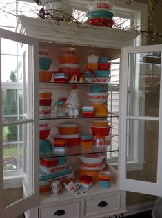 Pyrex: Friendship w/a splash of turquoise