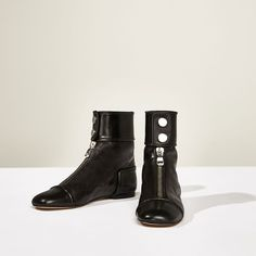 Image 2 of STUDIO FLAT ANKLE BOOTS WITH ZIP from Zara