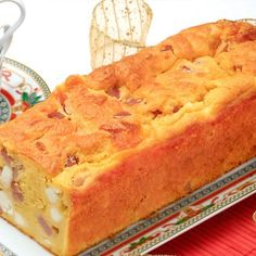 Αλμυρό κέικ / Cake with cheese. Λαχταριστό κέικ με τυρί για ένα τέλειο αλμυρό σνακ! #greekfood #greekrecipes #greekfoodrecipes #cheesecake #cheesecakerecipes #cheeserecipes #cheese #greekcheese #fetacheese #fetacheesenutrition #savorycake #savory #snackideas #snacks #tastysnacks #healthysnacks #sintagespareas #cakerecipes #cakelove #cake #homemadecake #συνταγές #συνταγέςμαγειρικής #κέικ #γλυκά #σνακ #ελληνικα #ελλάδα Apple Pie, Cheesecake, Desserts, Recipes, Food, Tailgate Desserts, Deserts, Cheese Pies, Cheesecakes