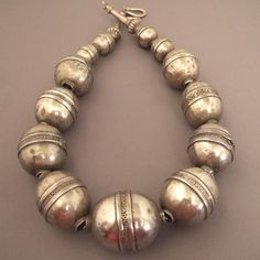 A splendid old necklace (first half of the 20th century) coming from Turkmenistan with a very beautiful patina of use