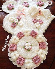 Crochet Flower Tutorial, Crochet Flower Patterns, Crochet Flowers, Crochet Motifs, Crochet Doilies, Crochet Bunny, Easy Crochet, Knitting Stitches, Knitting Patterns
