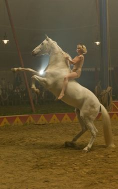 Reese Witherspoon In Water For Elephants. Saw the movie. Probably will not go to another circus ever! Water For Elephants, Elephants Photos, Circus Art, Circus Theme, Reese Witherspoon, Art Du Cirque, Trick Riding, Circo Vintage, Circus Performers