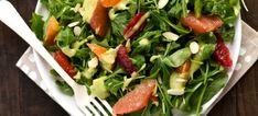 Salată din citrice cu dressing de avocado. Pe cât de colorată, pe atât de sănătoasă!