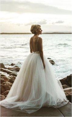 Glorious The Best Wedding Beach Dresses https://bridalore.com/2017/10/02/the-best-wedding-beach-dresses/