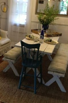 Pallet picnic table and easy DIY cushions!
