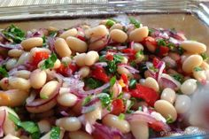 Turkish Bean Salad or piyaz is an easy to make side dish traditionally served as a meze. Meze Recipes, Bean Salad Recipes, Vegetarian Main Dishes, Vegetarian Recipes, Healthy Recipes, Turkish Mezze, Cannellini Bean Salad, Turkish Recipes, Ethnic Recipes