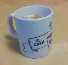 Taza personalizada. Diseño de Avi para Taller 35. #taller35 #regalos #encargos #tazaspersonalizadas #mugs