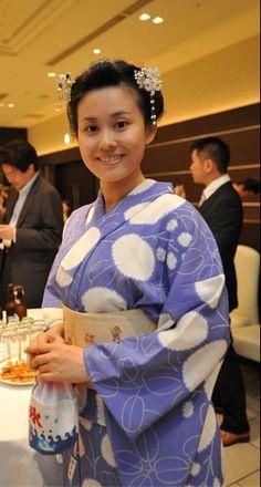photo by Facebook Kouryukai  @lagunasuite Nagoya 20120720 。名古屋フェイスブック交流会さんに撮っていただきました@ラグナスウィート名古屋 1F モダンスイート。 Nihon-gami ~traditional hairstyle of Japan ~ wearing kimono and obi.  自分の髪で自分で日本髪っぽく結っています。I did my hair in Japanese style! It does look so KaWaIi ! かんざしはかふう工房さんで買ったものです。   →http://ameblo.jp/ann-choo-sun-life/