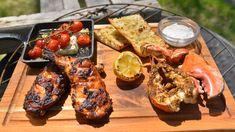 Cette recette de poulet portugais avec homard citron-ail a été cuisinée dans le cadre de l'émission Fous du BBQ. Bbq Grill, Grilling, Pain Ciabatta, Sauce Au Poivre, Tandoori Chicken, Ethnic Recipes, Food, Cherry Tomatoes, Poultry