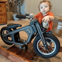 of a kind rocking motorcycle, which detaches and is also.- of a kind rocking motorcycle, which detaches and is also a balance bike! of a kind rocking motorcycle, which detaches and is also a balance bike! Motorcycle Baby, Baby Bike, Mini Bici, Wood Bike, Push Bikes, Kids Bicycle, Balance Bike, Kids Ride On, Bike Design