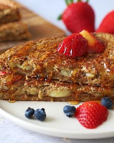 This healthy stuffed French toast with banana and almond butter is loaded with healthy fat and protein, but still absolutely delicious. recipes videos healthy breakfast french toast Healthy Stuffed French Toast with Almond Butter Banana Healthy French Toast, Banana French Toast, Vegan Recipes, Snack Recipes, Cooking Recipes, Dinner Recipes, Healthy Breakfast Recipes, Healthy Baking, Dinner Healthy
