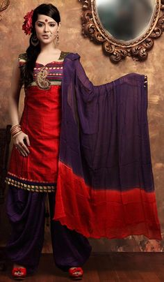 Priyanka Chhabra is an Indian actress and model. Wedding Guest Style, Indian Couture, Everyday Dresses, Indian Sarees, Traditional Dresses, Asian Fashion, Indian Outfits, Style Inspiration, Actress Priyanka