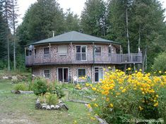 The Gathering Place on Golden Ponds – Coe Hill Bed And Breakfast Eco Construction, Cordwood Homes, On Golden Pond, Earthship Home, Natural Homes, Unusual Homes, Earth Homes, Natural Building, Architect Design