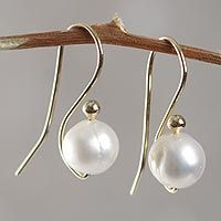 White Balloons from @NOVICA, They help #artisans succeed worldwide. THIS A REALLY UNUSUAL UPSIDE DOWN PEARL EARRING, IT'S THE REVERSE OF A DANGLE.