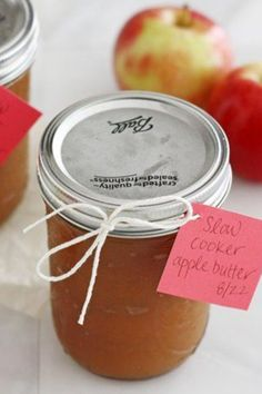 All you need are Gala apples, brown sugar, salt and a cinnamon stick to make Betty Crocker's yummy slow-cooker apple butter. Great for gifting! As a general rule, 1 pound of apples is equal to: 4 small apples. Slow Cooker Apples, Crock Pot Slow Cooker, Crock Pot Cooking, Slow Cooker Recipes, Crockpot Recipes, Fruit Recipes, Apple Recipes, Fall Recipes, Apple Desserts
