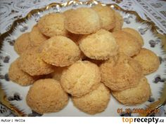 Nejjednodušší kokosky Slovak Recipes, Czech Recipes, Ethnic Recipes, Christmas Baking, Christmas Cookies, Cooking Cookies, Snack Recipes, Snacks, Bakery