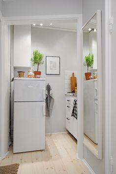 Allt du behöver i ett litet och praktiskt pentry #kitchen #studio #livingsmall