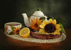 Photo Still Life with Sunflowers by Laura Pashkevich on 500px