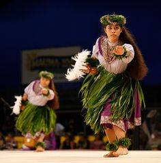 Merrie Monarch Kahiko This is one of my all time favorite dances!