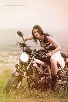 Motocyklowa sesje fotograficzna. Photo by http://klaudiacieplinska.pl/ Klaudia Cieplińska - artystyczna fotografia portretowa i rodzinna