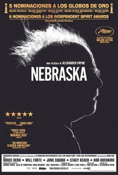 Sé que recomendar una película en blanco y negro y con el marcado aire independiente norteamericano de Alexander Payne no pega mucho con el gran público, pero el responsable de Entre copas (Sideway...