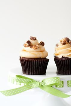 cupcakes INGREDIENTS: For the cake: 1 (18.25 ounce) package devil ...