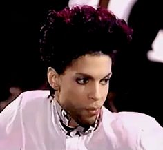 The beautiful one. I'm sure he was looking in the mirror when he wrote this song. Sheila E, Prince Gifs, Prince Meme, Pictures Of Prince, Prince Images, The Artist Prince, Paisley Park, Dearly Beloved, Roger Nelson