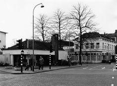 Hilversum<br />Hilversum: 1971 Hotel Jans aan de Stationsstraat hoek Achterom