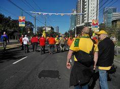 En el 'Caminho do Gol', rumbo al estadio para ver #Holanda - #Australia.