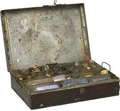 Turner's paint box. Giovanni painting at the same time would have had something similar