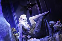 """SAKS FIFTH AVENUE, New York, """"Santa...is it too late to be nice?"""", photo by Stylecurated, pinned by Ton van der Veer"""