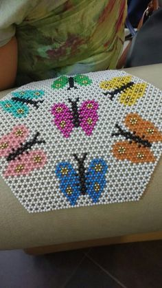 Jewelry Making Tutorials, Beading Tutorials, Beaded Flowers, Crochet Flowers, Beaded Bags, Beaded Jewelry, Perler Bead Disney, Beaded Crafts, Bead Loom Patterns