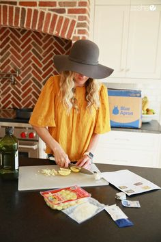 """Getting a routine back with the help of Blue Apron dinners that help busy parents answer the question, """"What's for dinner?"""" #ad #letsblueapron @blueapron Blue Apron, Home Look, The Help, Routine, Cover Up, Dinners, Parents, Organization, Dinner Parties"""
