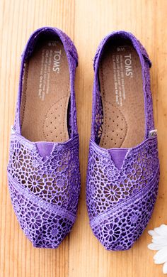 Purple crochet lace | TOMS