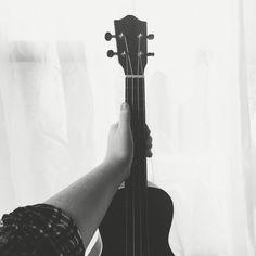 Photo by Anna Markell  Instagram_inspiration_ideas_artsy_tumblr_photography_iphone6_VSCO_music_ukulele_hand
