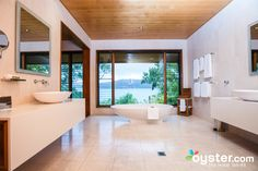 You Could Fit an Entire NYC Apartment into Each of These 14 Luxe Hotel Bathrooms - Qualia Resort