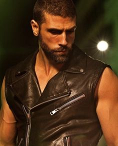 Leather Fashion, Leather Men, Mens Leather Shirt, Leather Jackets, Urban Male, Sexy Beard, Men In Uniform, Man Photo, Attractive Men