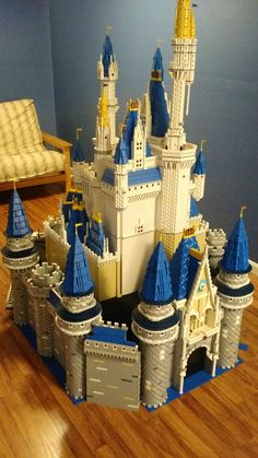 There are 50,000 Lego bricks in this stunning replica of Disney's Cinderella Castle | The Daily Dot