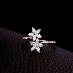 Add a Sparkle to your weekend ✨ Check out this diamond ring at the Diamond Mela Store today ! SKU Add a Sparkle to your weekend ✨ Check out this diamond ring at the Diamond Mela Store today ! Rose Gold Engagement Ring, Vintage Engagement Rings, Diamond Wedding Bands, Diamond Rings, Diamond Jewelry, Jewelry Rings, Jewelry Ideas, Jewellery Box, Marquise Diamond