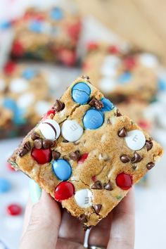 Red, White and Blue M&M'S are one of my favorite M&M'S! I just love the patriotic mix and I think they are perfect for my favorite M&M'S Cookie Bars. Bake these up for the of July or Memorial Day, they are perfect for feeding a crowd and so much easier 4th Of July Desserts, Desserts For A Crowd, Summer Desserts, Memorial Day Desserts, Healthy Desserts, Fun Desserts, Chocolate Chip Cookie Bars, Brownie Bar, Mini Chocolate Chips
